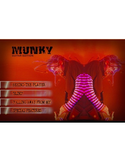Behind the player DVD: Munky